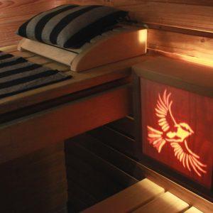 Kotimainen puustavalmistettu saunavalaisin