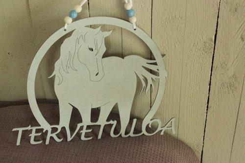 Ihanat Suomessa valmistetut hevosaiheiset ovikyltit