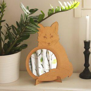 Metsäaiheinen peili, aseta seisomaan pöydälle tai ripusta seinään
