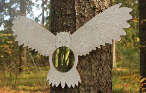 Peili vaalkoisin pöllökehyksin