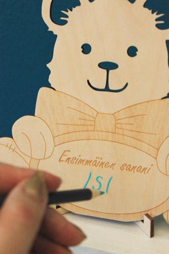 Kirjoita lapsen ensisanat muistiin